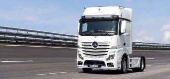 special-edition-20-years-actros-header-02